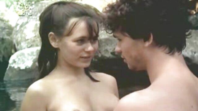 सेक्सी लड़की वेबकैम पर हस्तमैथुन के लिए बाहर सेक्स मूवी पुरानी