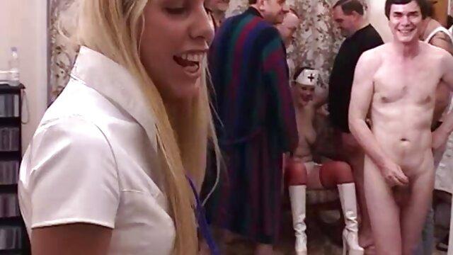 काले सेक्सी सेक्सी सेक्सी सेक्सी सेक्सी मूवी लोगों के एक सदस्य पर कूद एक छोटे स्कर्ट पहने मिठाई