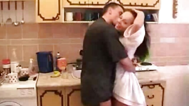 ग्लोरिया के सेक्सी मूवी बीपी वीडियो लिए एक दीवार के माध्यम से