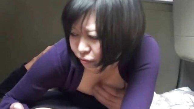 निजी चैट एक्ट्रेस सेक्सी मूवी में लड़की, एक बड़ा पर बैठे